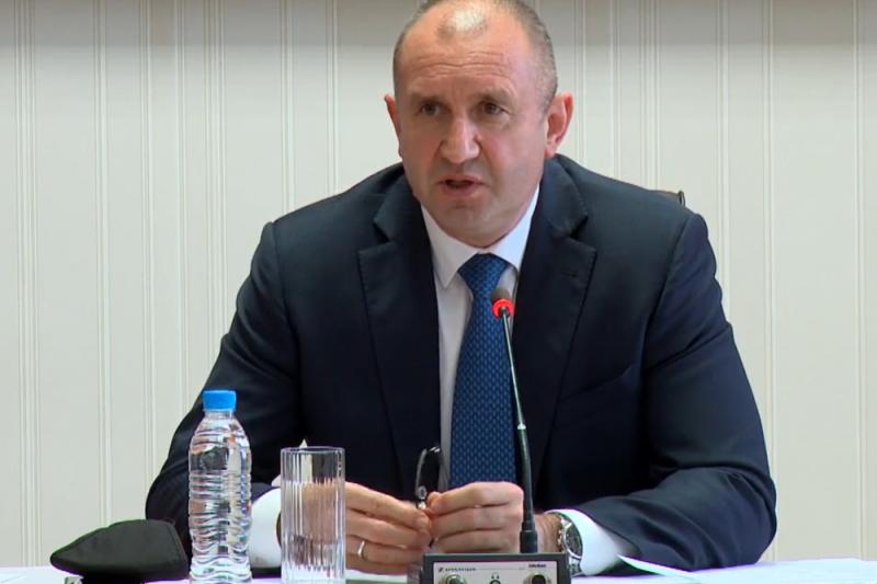 Радев одобри всички кандидати за членове на ЦИК и призова: Започвайте работа отсега