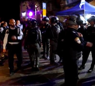 сблъсъци, Ерусалим, палестинци, изселване, Израел, полиция, бутилки, водни оръдия
