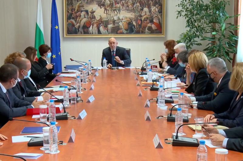 Само ГЕРБ предложиха кандидат за председател на ЦИК и конфронтираха Радев по време на консултациите