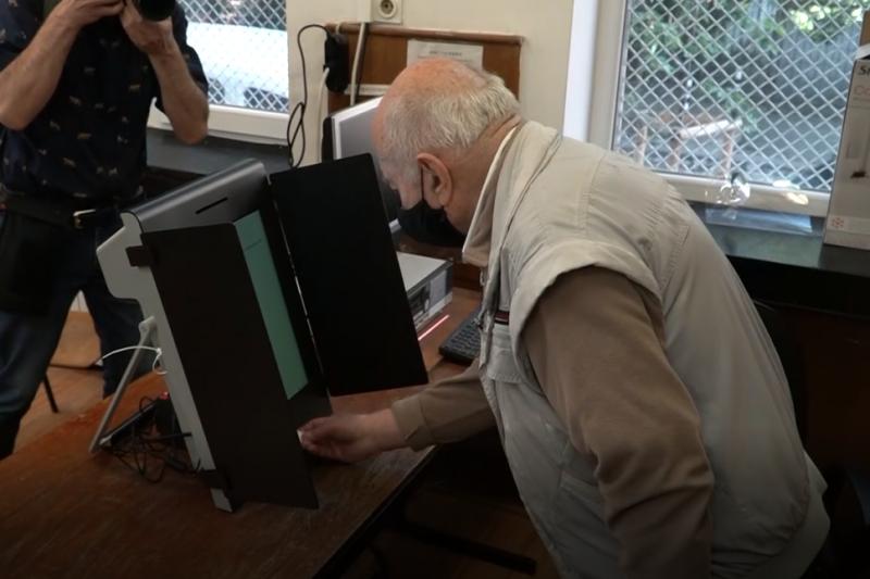 Избират кмет на Благоевград и няколко села за първи път само с машини в по-големите секции