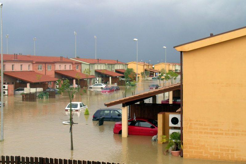 Невиждани наводнения удариха Турция (СНИМКИ+ВИДЕО)
