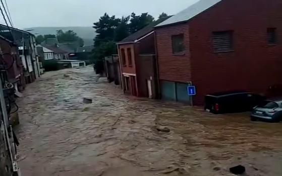 Ужасът се пренесе в Белгия: Стотици са евакуирани заради проливен дъжд и наводнения. Има и жертви
