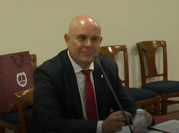 Иван Гешев: Няма да си тръгна сам от поста