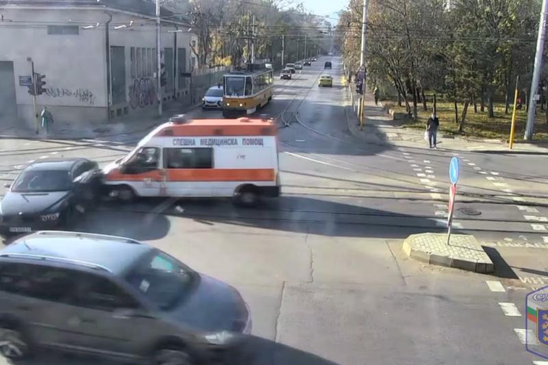 Стряскащи кадри: Столичната полиция показа тежки катастрофи и призова за внимание на пътя (ВИДЕО)