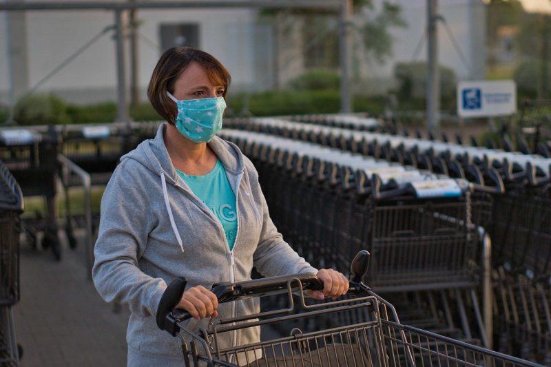 Спешно затягане на мерките в Гърция след скок на заразените от коронавирус