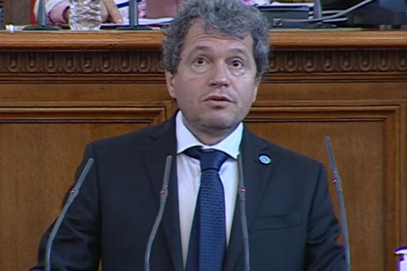 Тошко Йорданов: Повръща ми се от лицемери в парламента. Христо Иванов искаше да одобрява министри